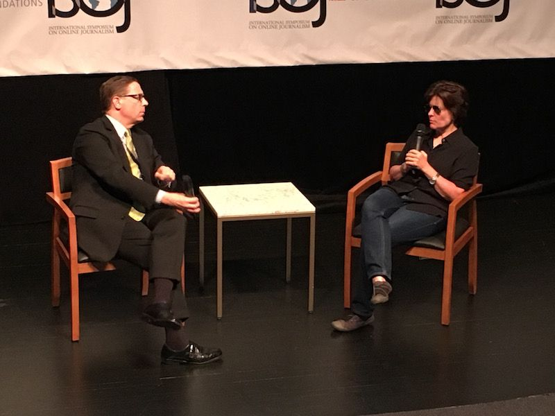 Evan Smith interviews Kara Swisher at the International Symposium on Online Journalism